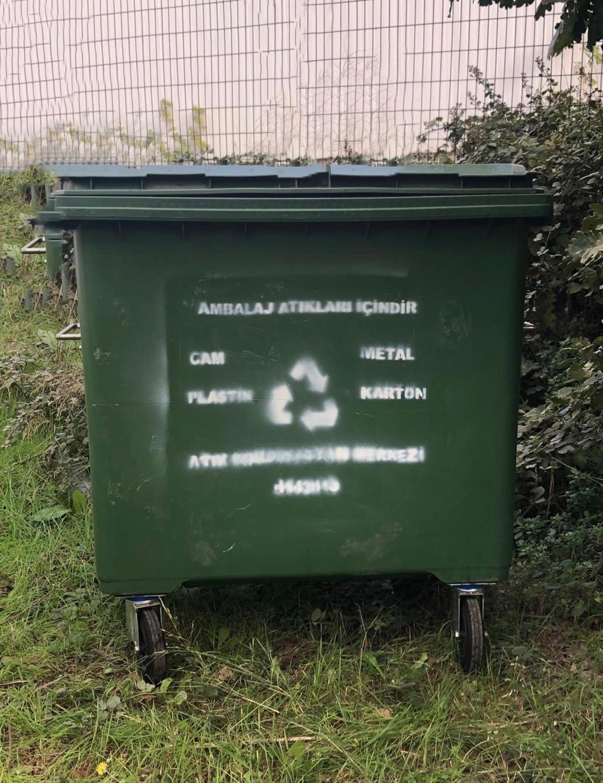 Geri Dönüşüm İçin Çöp Konteynerleri